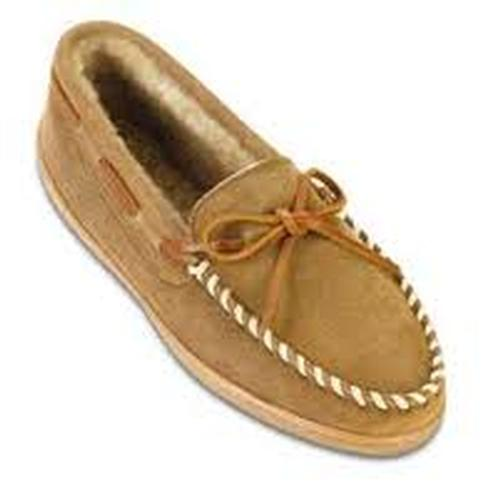 Minnetonka Men's Hardsole Moccasin