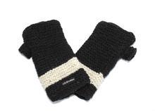 US Sherpa Kancha Hand Warmer 1