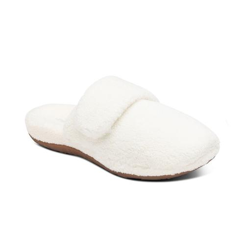 Aetrex Women's Mandy Closed Toe Slipper in Ivory